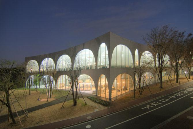 Tama_bijutsu_daigaku_library