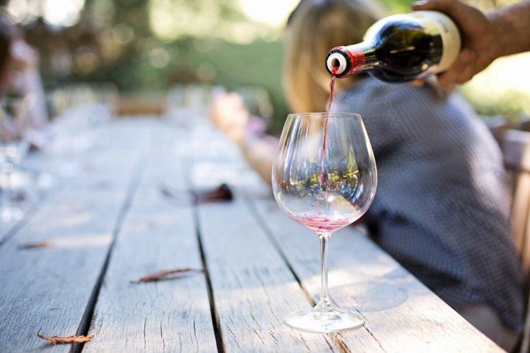 adult-alcohol-blur-290316-768x512